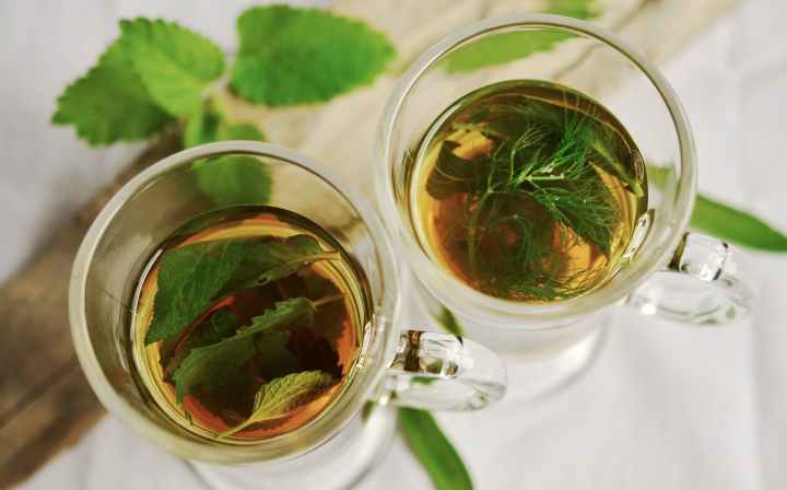 Herbal Teas for Sleep, Insomnia, and Easing Anxiety
